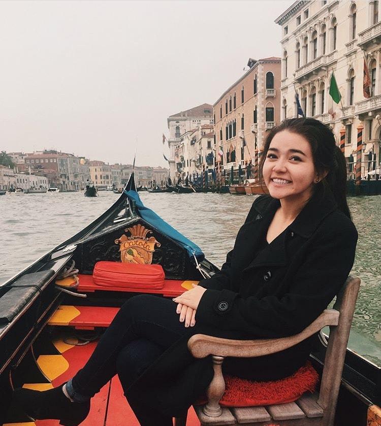 Courtney Fraher on a gondola